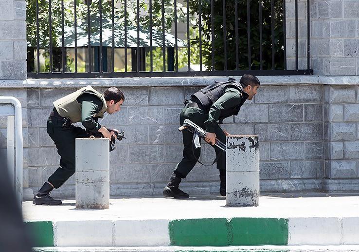 الهجوم الارهابی على مجلس الشورى الإسلامی الايراني (39453199) 