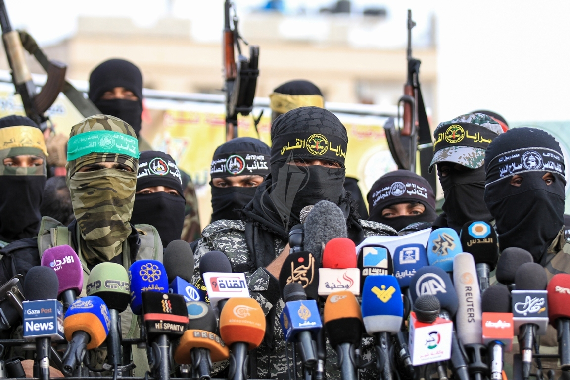الأذرع العسكرية لفصائل المقاومة الفلسطينية خلال مؤتمر صحفي في غزة (39191047) 