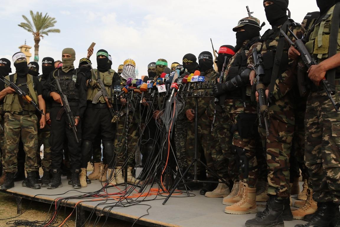 الأذرع العسكرية لفصائل المقاومة الفلسطينية خلال مؤتمر صحفي في غزة (39191043) 