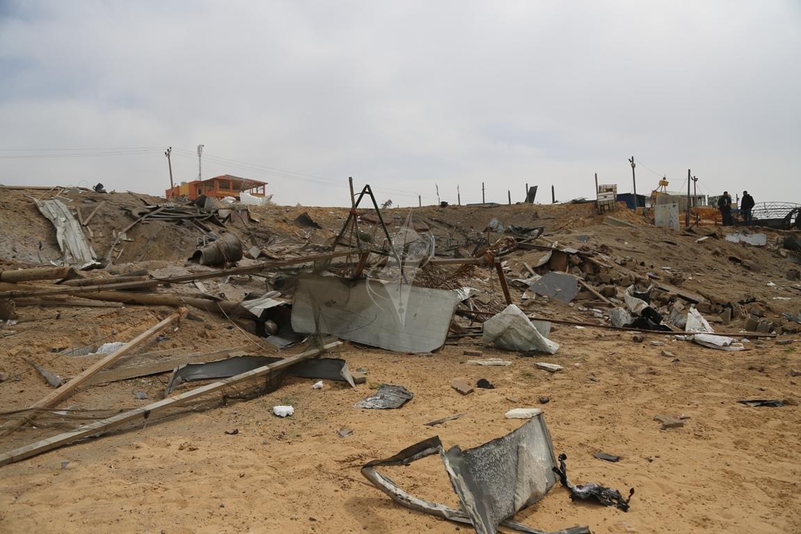 اثار القصف الصهيونى على موقع البحرية  (38797830) 