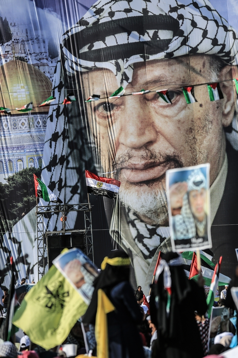 مهرجان احياء الذكرى الـ13 لاستشهاد الرئيس ياسر عرفات في ساحة الكتيبة غرب مدينة غزة (37683733) 