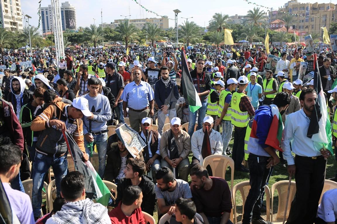 مهرجان احياء الذكرى الـ13 لاستشهاد الرئيس ياسر عرفات في ساحة الكتيبة غرب مدينة غزة (1)