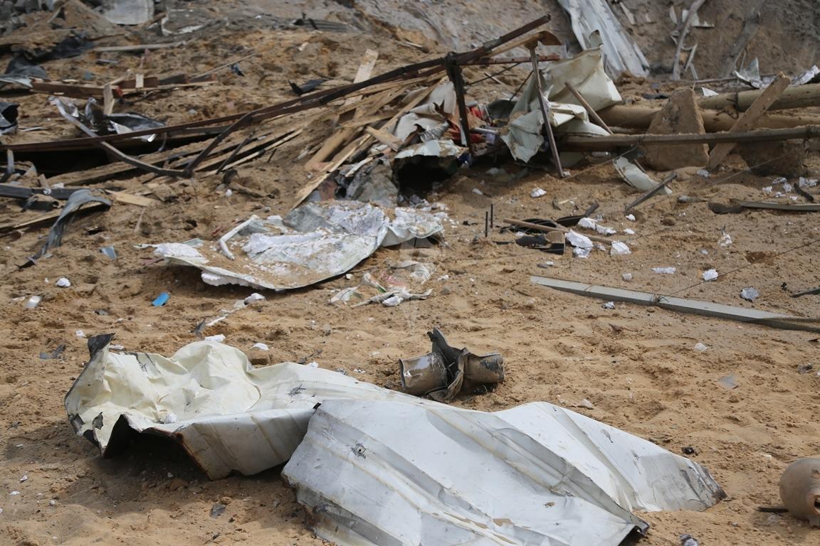 اثار القصف الصهيونى على موقع البحرية  (38797829) 