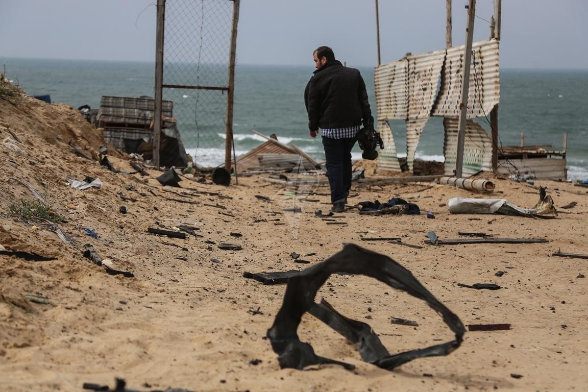 اثار القصف الصهيونى على موقع البحرية  (38797834) 