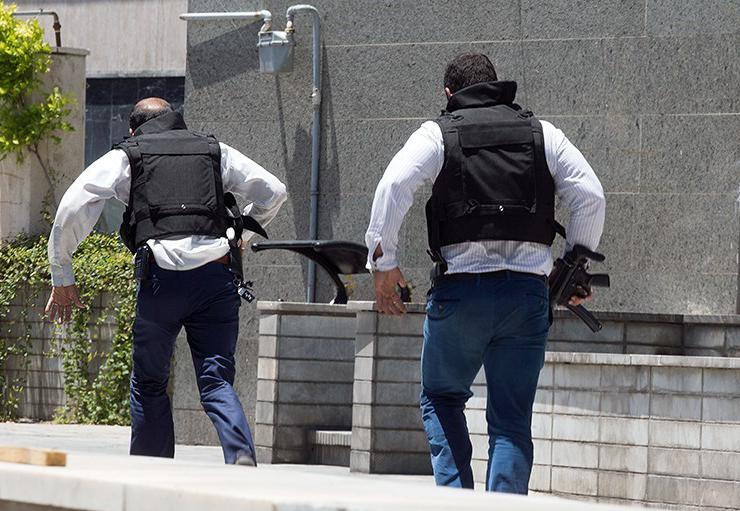 الهجوم الارهابی على مجلس الشورى الإسلامی الايراني (39453204) 