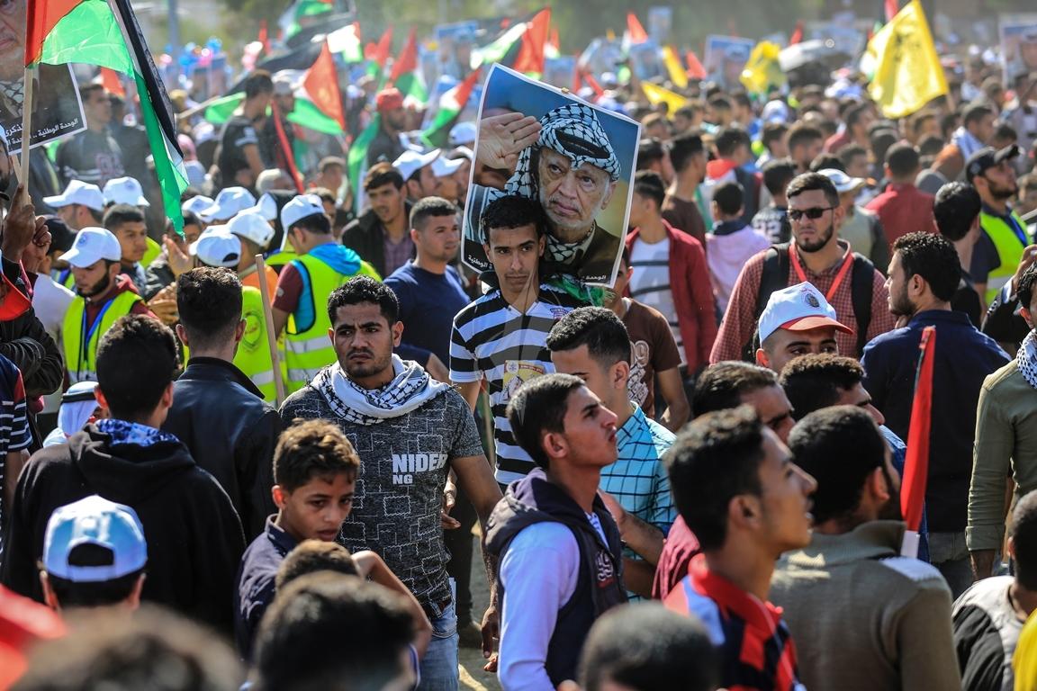 مهرجان احياء الذكرى الـ13 لاستشهاد الرئيس ياسر عرفات في ساحة الكتيبة غرب مدينة غزة (37683718) 