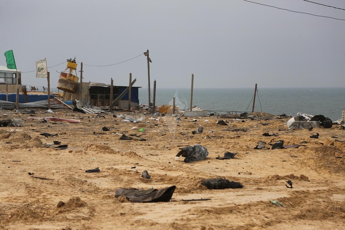 اثار القصف الصهيونى على موقع البحرية  (1)