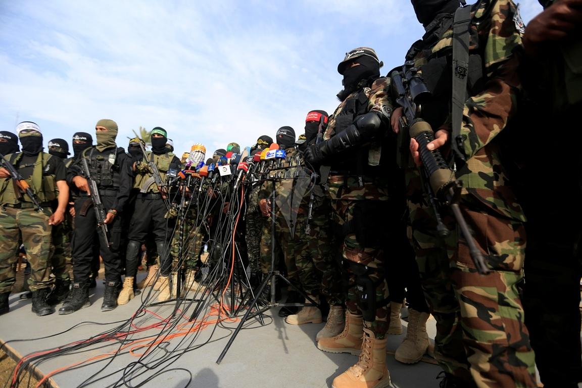 الأذرع العسكرية لفصائل المقاومة الفلسطينية خلال مؤتمر صحفي في غزة (39191059) 