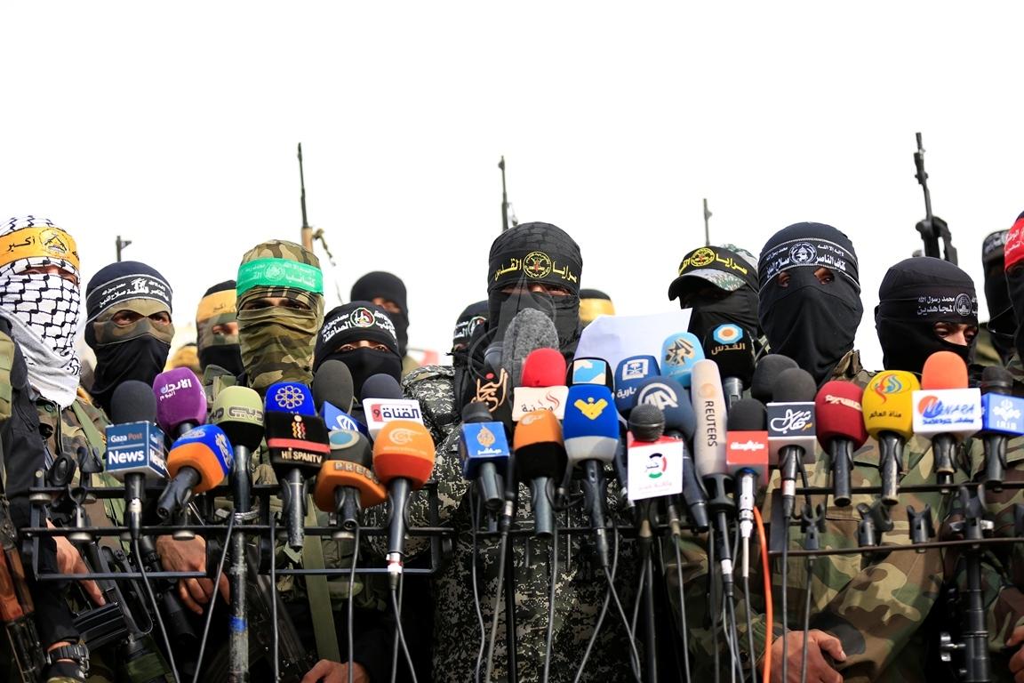 الأذرع العسكرية لفصائل المقاومة الفلسطينية خلال مؤتمر صحفي في غزة (39191055) 