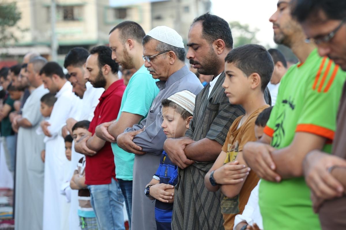 صلاة العيد في العراء (287149936) 