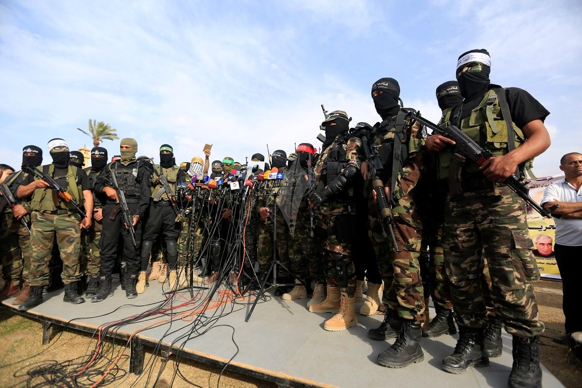 الأذرع العسكرية لفصائل المقاومة الفلسطينية خلال مؤتمر صحفي في غزة (39191058) 