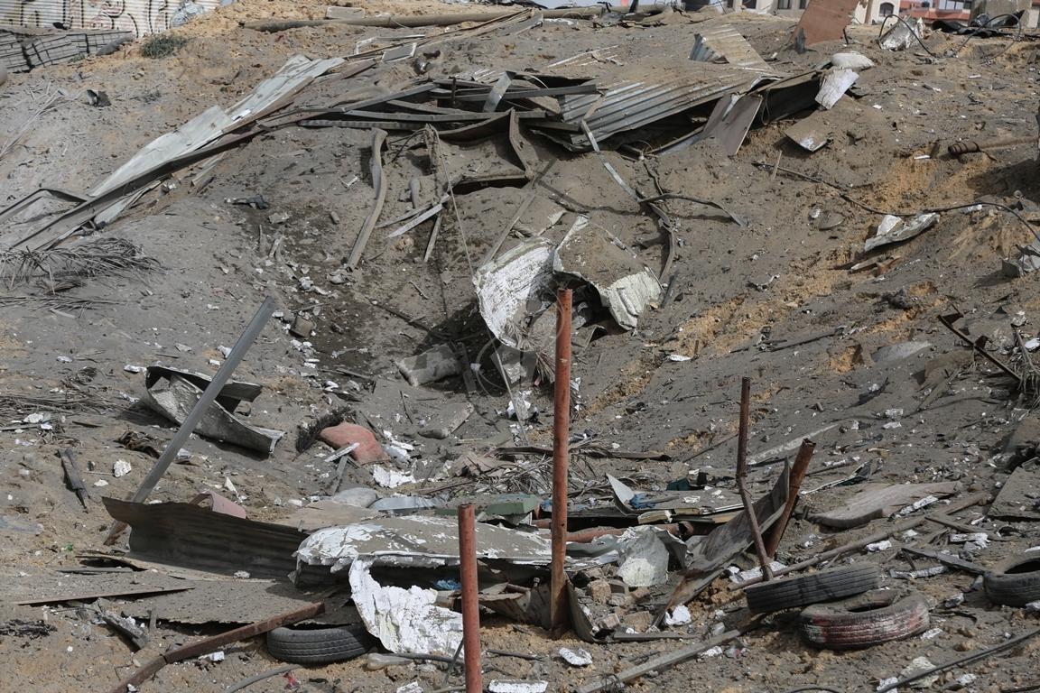 اثار القصف الصهيونى على موقع البحرية  (38797831) 