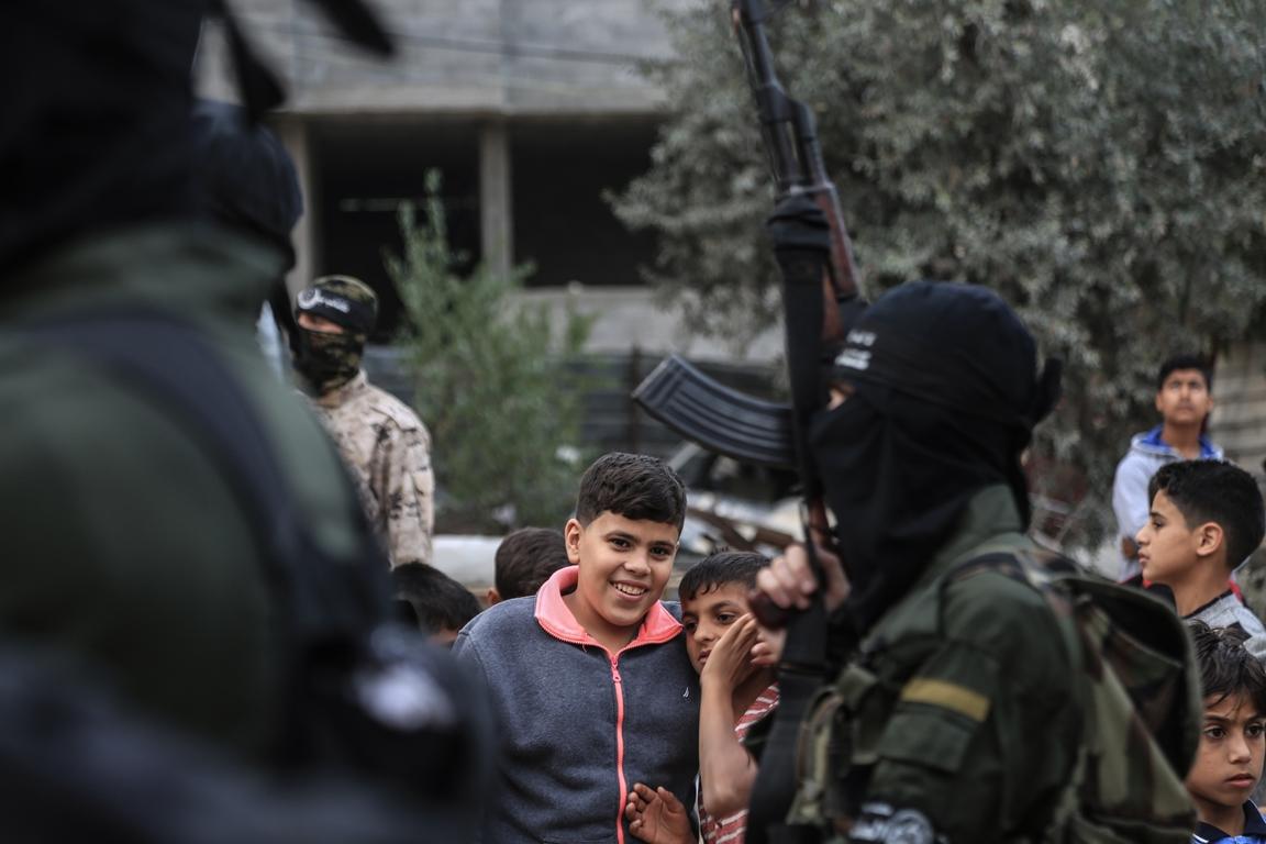 مسير عسكري لفصائل المقاومة بغزة في الذكرى الخامسة لاغتيال الجعبري (37552649) 