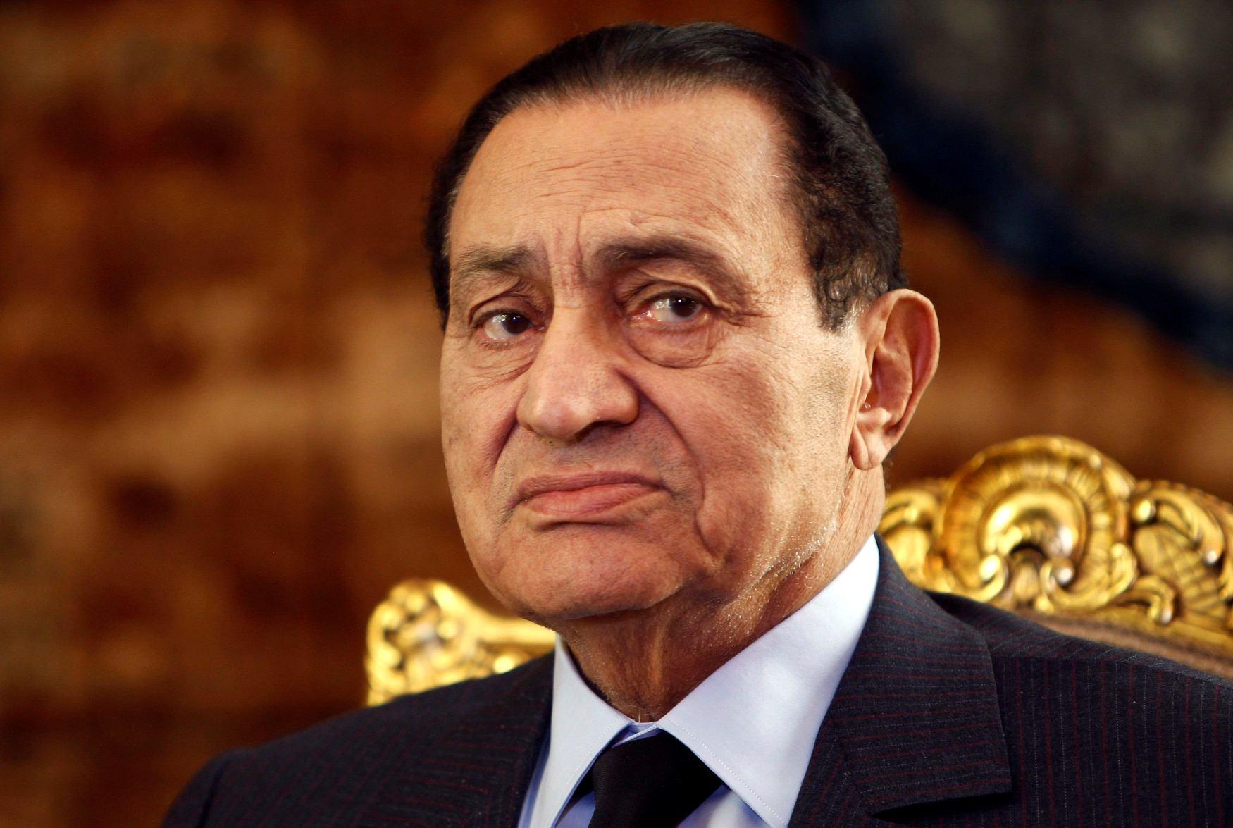 مبارك فى رسالة للعاهل السعودى يطلب المساعدة.. ومرسى يرفض العفو