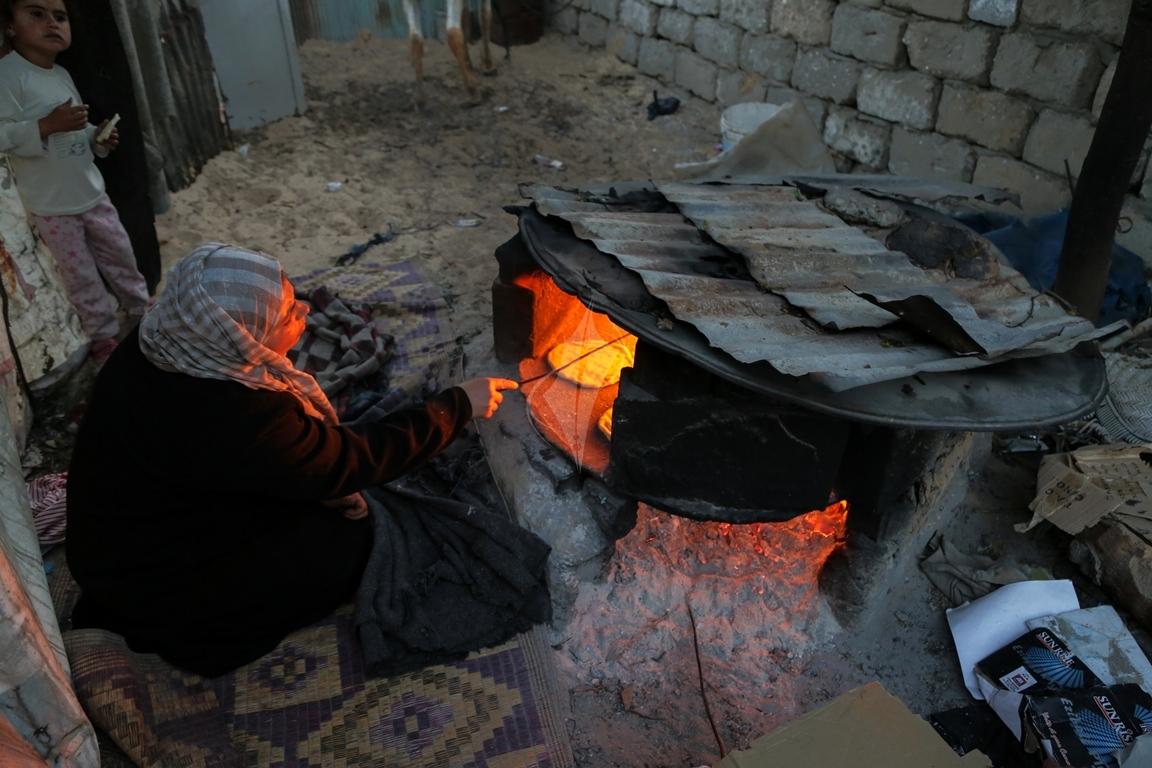 افرن الطينة بعد تفاقم أزمة الكهرباء (20)