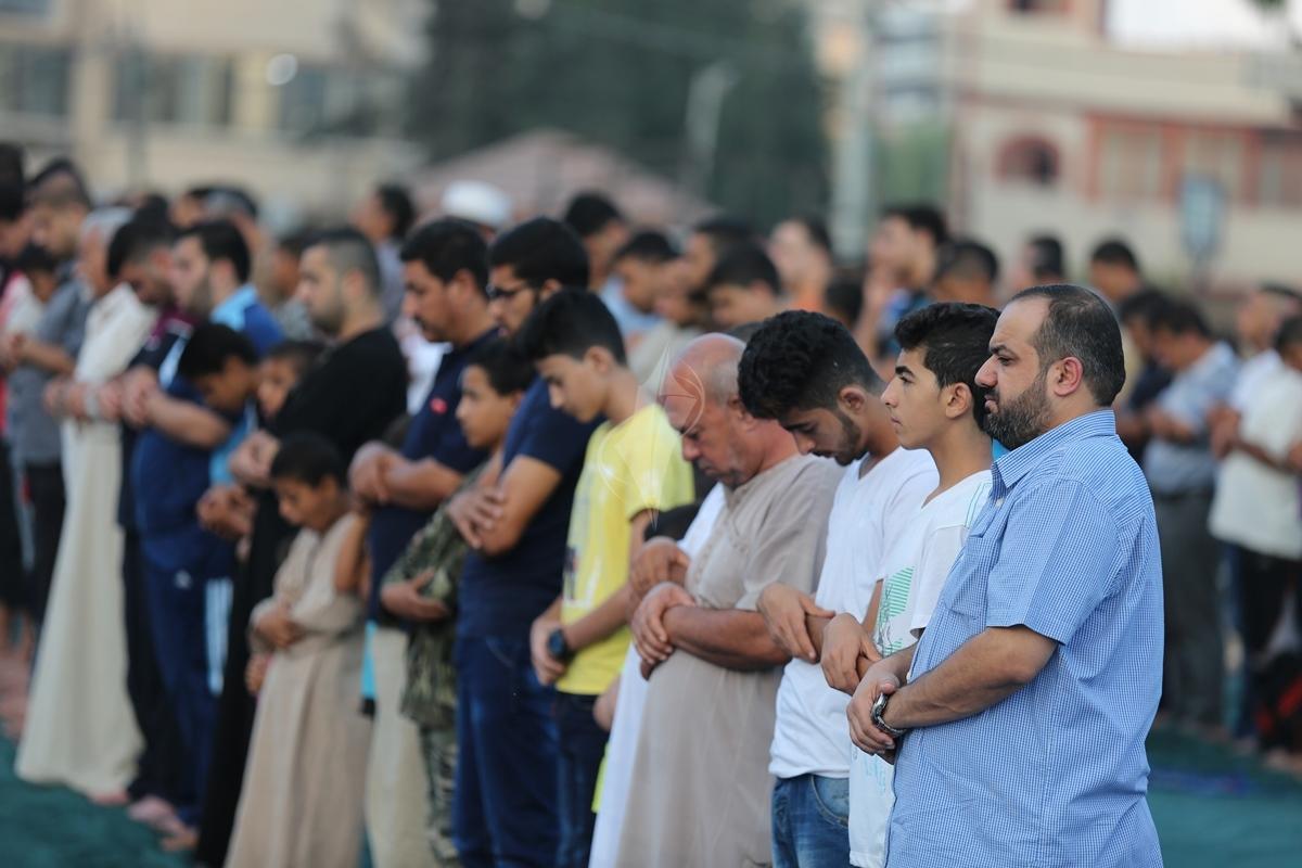 صلاة العيد في العراء (287149937) 