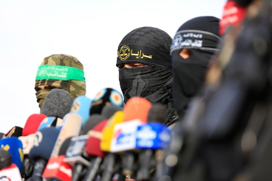 الأذرع العسكرية لفصائل المقاومة الفلسطينية خلال مؤتمر صحفي في غزة (39191050) 