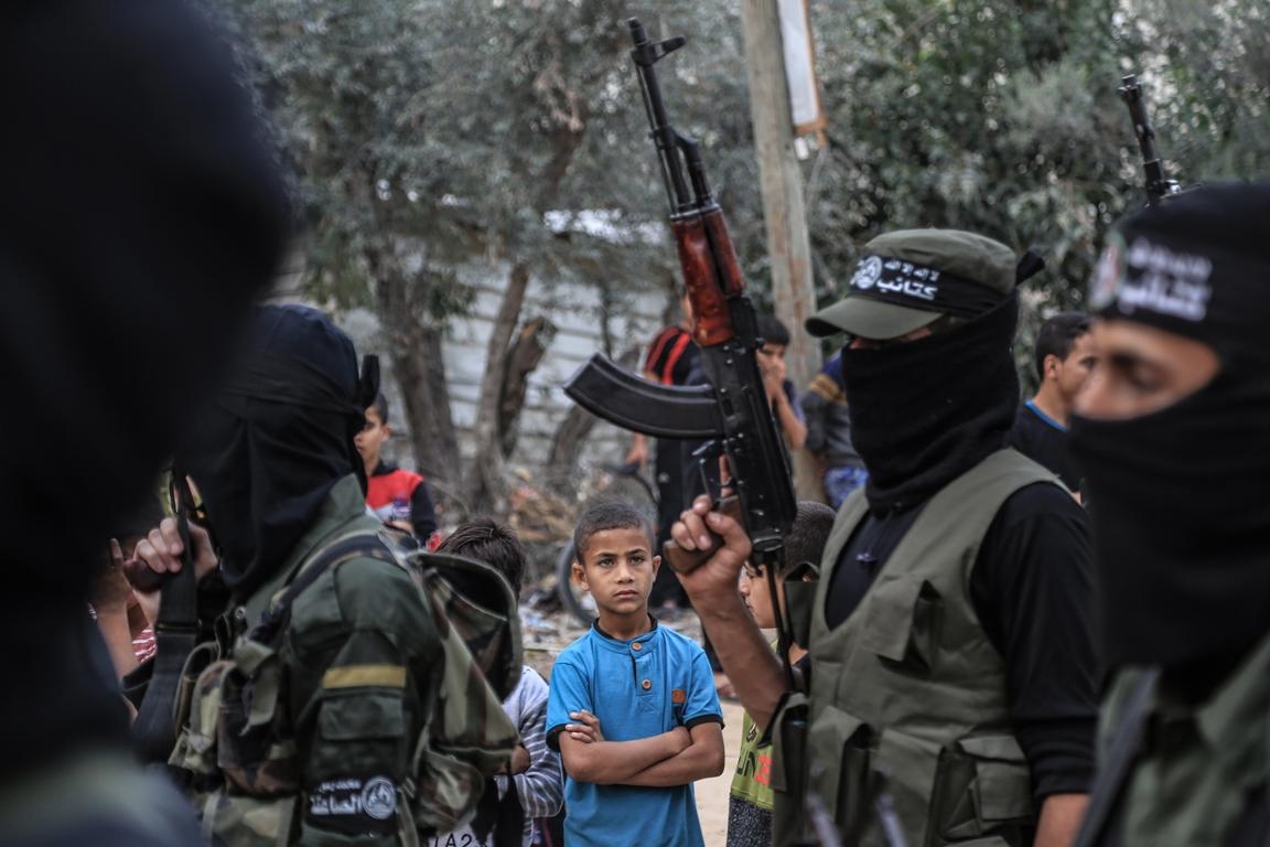 مسير عسكري لفصائل المقاومة بغزة في الذكرى الخامسة لاغتيال الجعبري (37552648) 