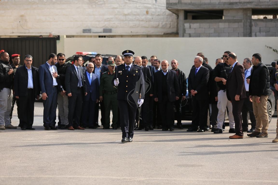 الحمد الله يتسلم وزارة الداخلية في قطاع غزة (38863364) 