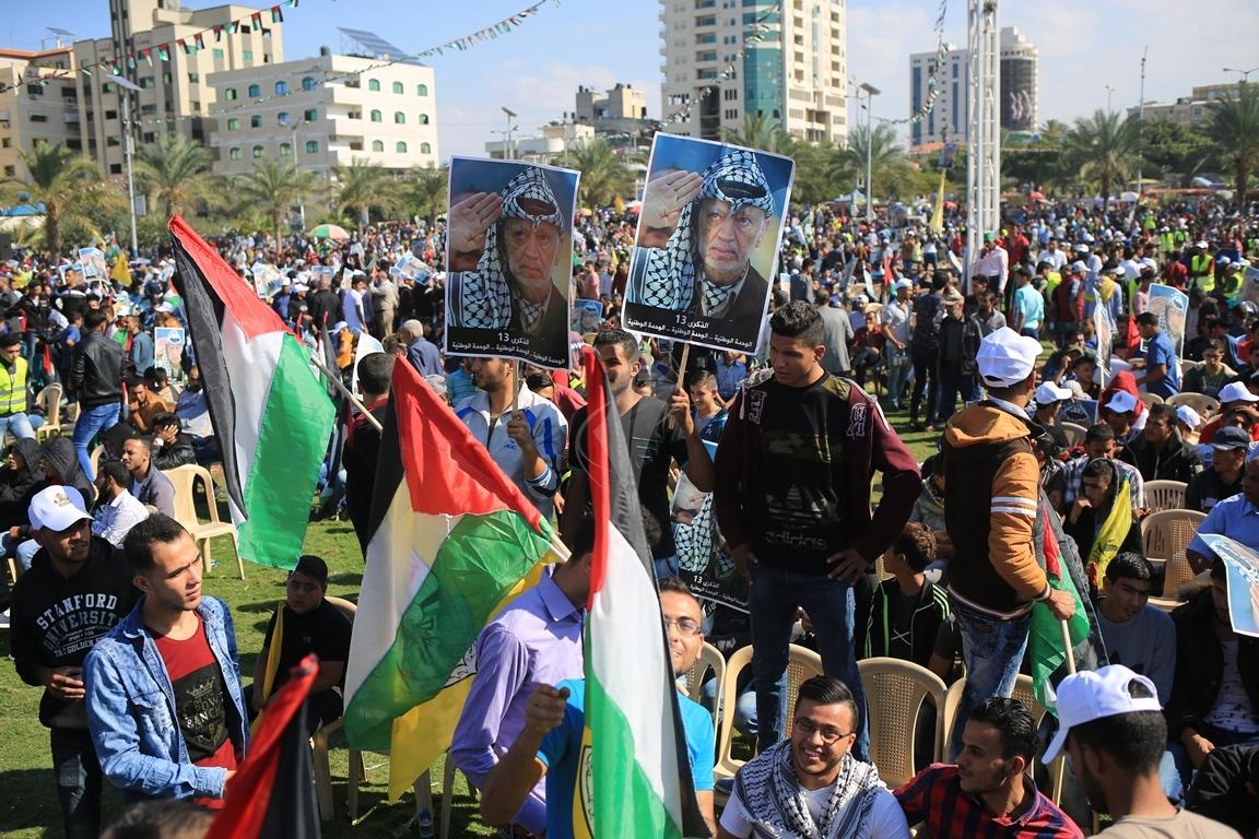 مهرجان احياء الذكرى الـ13 لاستشهاد الرئيس ياسر عرفات في ساحة الكتيبة غرب مدينة غزة (37683713) 