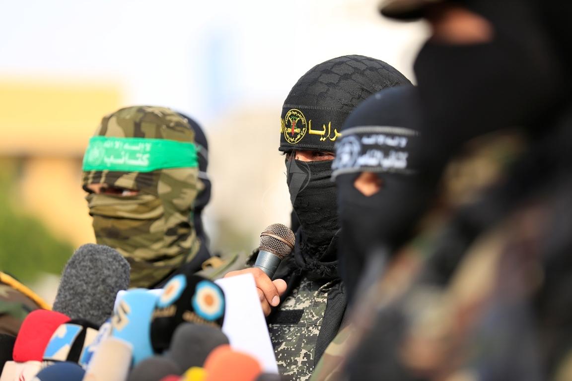 الأذرع العسكرية لفصائل المقاومة الفلسطينية خلال مؤتمر صحفي في غزة (39191052) 