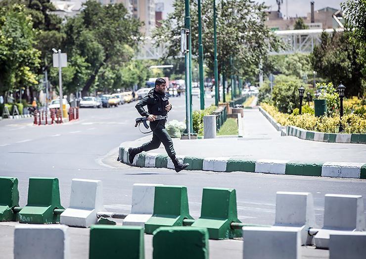 الهجوم الارهابی على مجلس الشورى الإسلامی الايراني (39453203) 