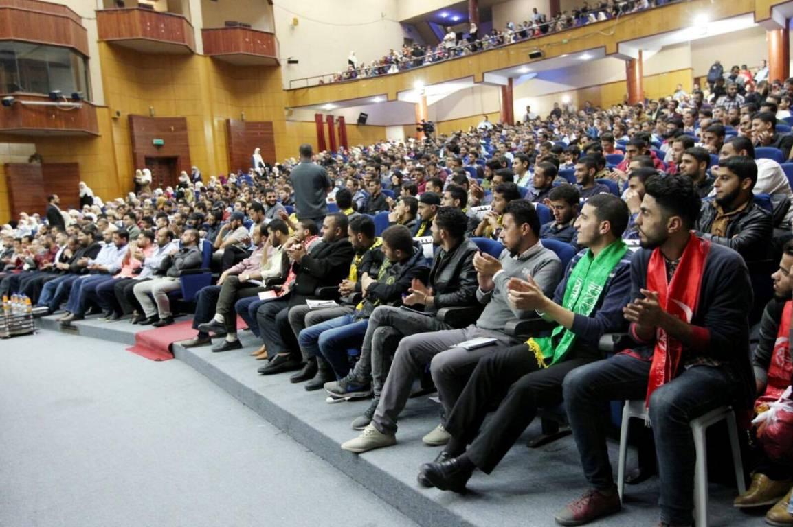 هنية خلال لقاء مع الطلبة (1)