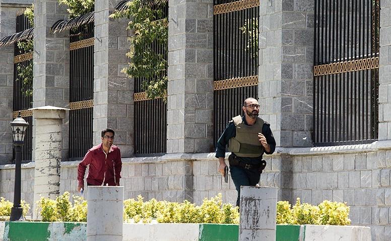 الهجوم الارهابی على مجلس الشورى الإسلامی الايراني (39453212) 
