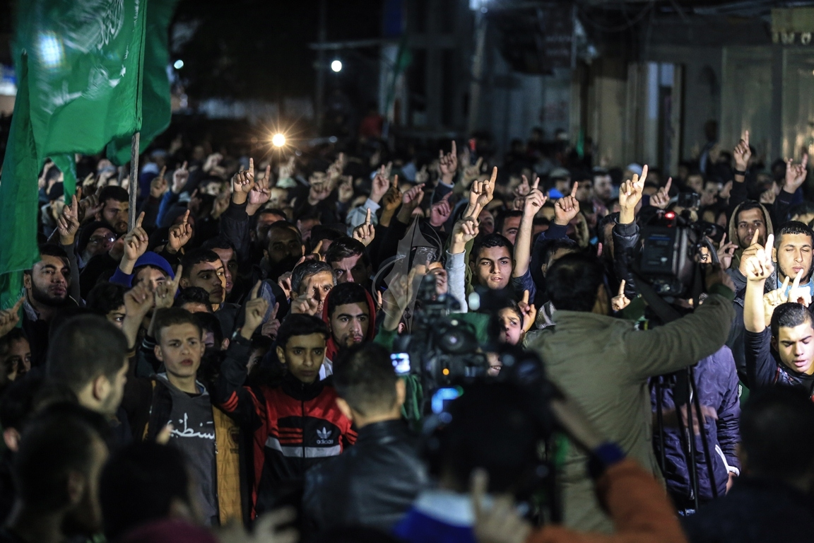 حماس تنظم مسيرة نصرة للقدس ورفضاً للقرارات الأمريكية شمال القطاع (38601227) 