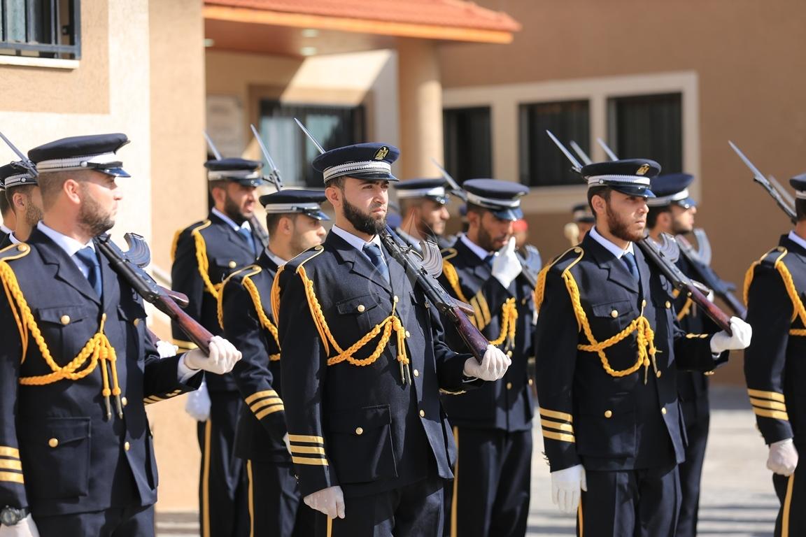 الحمد الله يتسلم وزارة الداخلية في قطاع غزة (1)