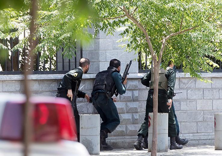 الهجوم الارهابی على مجلس الشورى الإسلامی الايراني (39453202) 