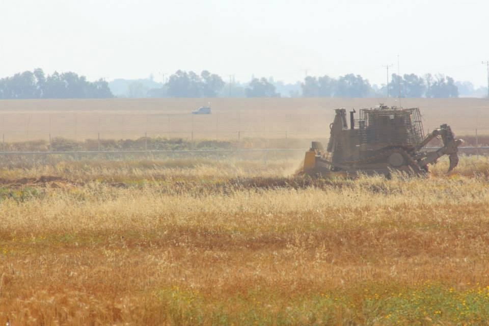 جرافات وطائرات وجيبات عسكرية إسرائيلية تتوغل شرق خانيونس