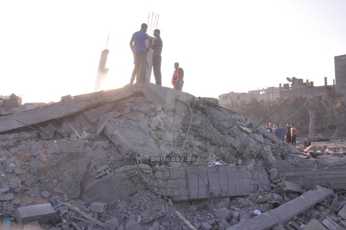 قصف   تدمير منزل