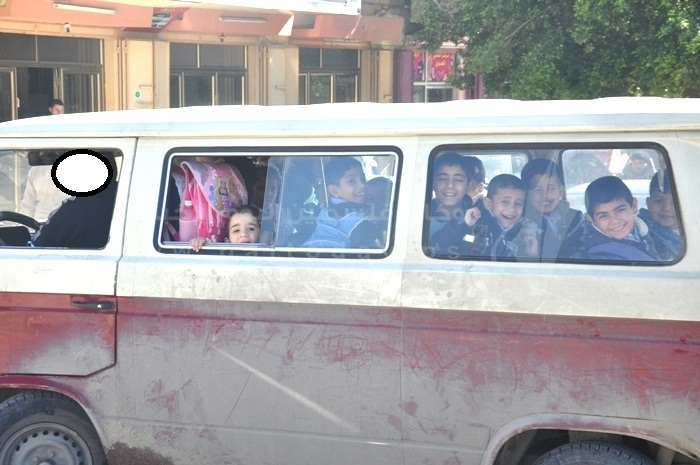 تكدس الطلبة بالحافلات