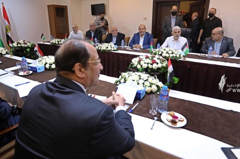 لقاء قادة حماس والوفد الامني المصري 9.jpg