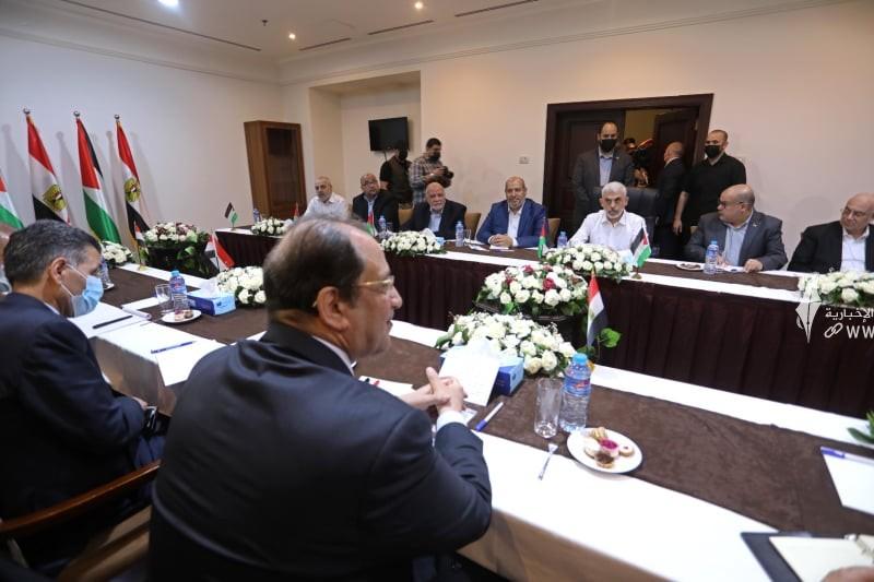 لقاء قادة حماس والوفد الامني المصري 4.jpg