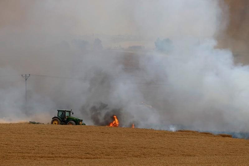 حرائق في غلاف غزة (2).jpg