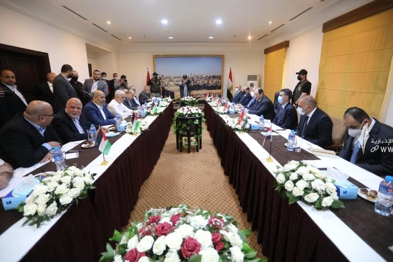 لقاء قادة حماس والوفد الامني المصري 8.jpg