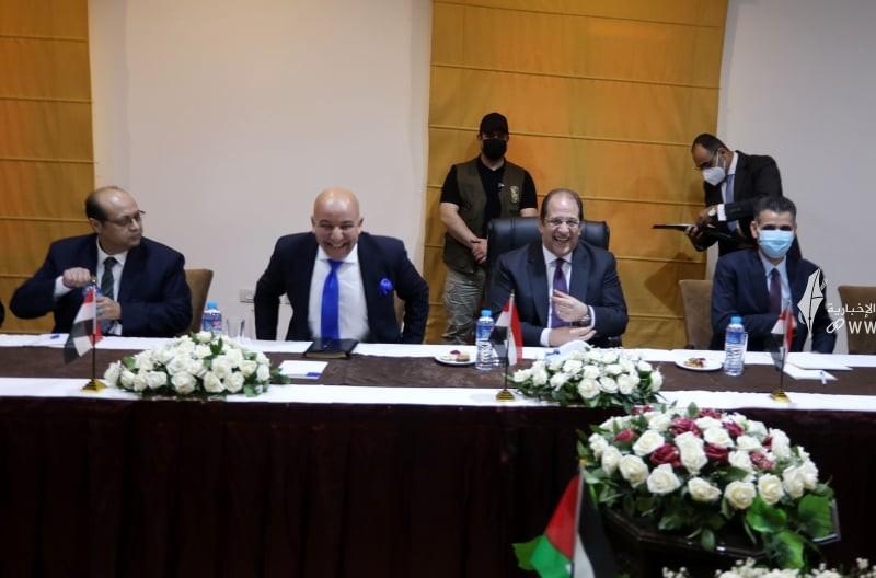 لقاء قادة حماس والوفد الامني المصري 24.jpg