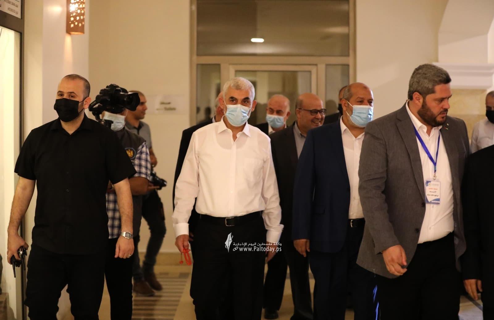 وفد حماس يصل لاستقبال رئيس المخابرات المصرية5.jpg