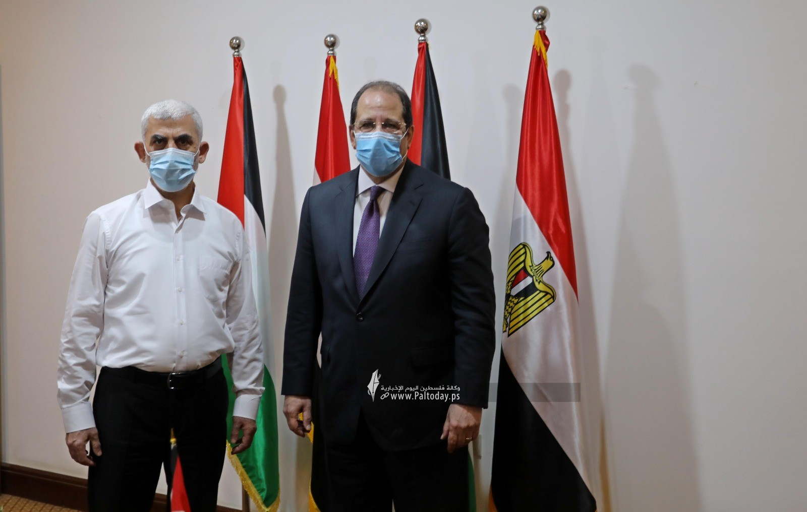 2اجتماع قادة حماس باللواء عباس كامل.jpg