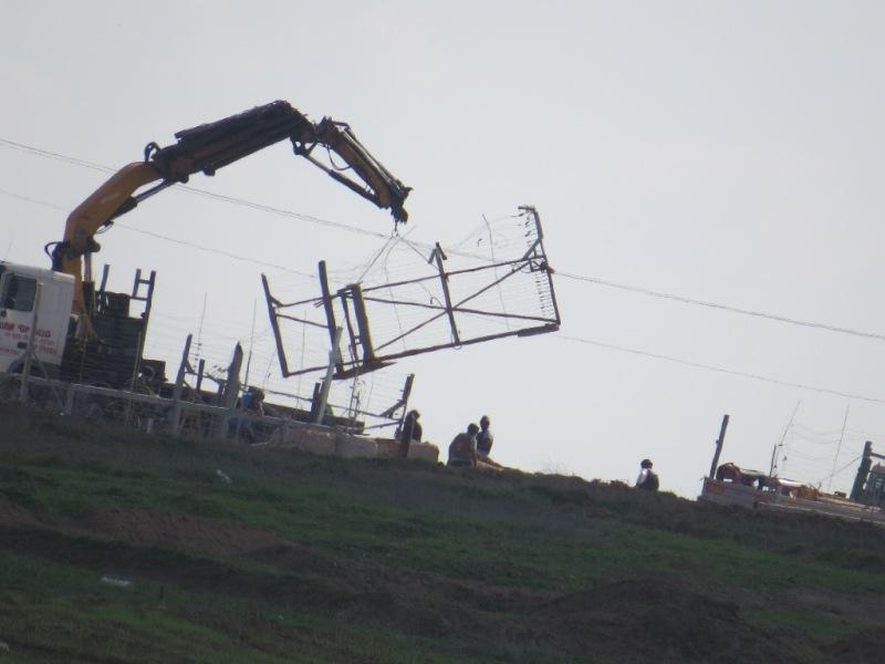 اعمال الهندسة على السياج الفاصل
