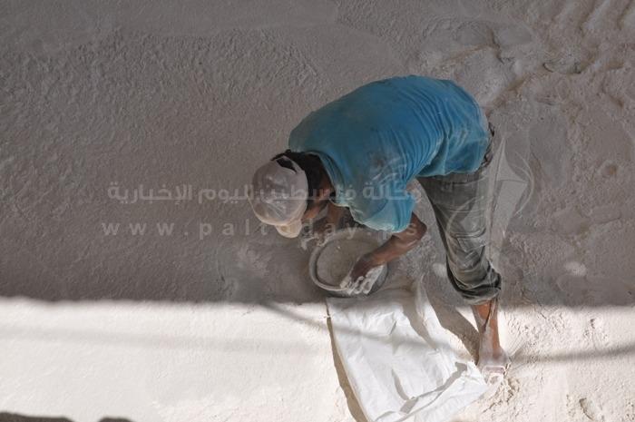 بالصور: في يومهم العالمي.. العمال يكسرون الحصمة لتوفير قوتهم