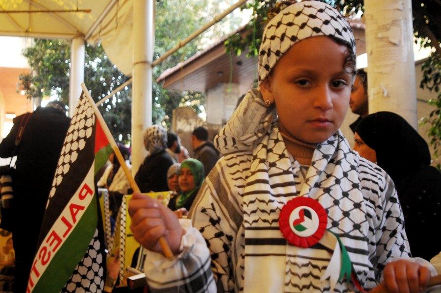 أطفال يتضامنون مع الأسرى