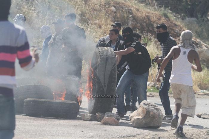 اصابات ومواجهات أمام معتقل عوفر لليوم الثاني على التوالي