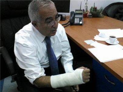فياض مكسور اليد