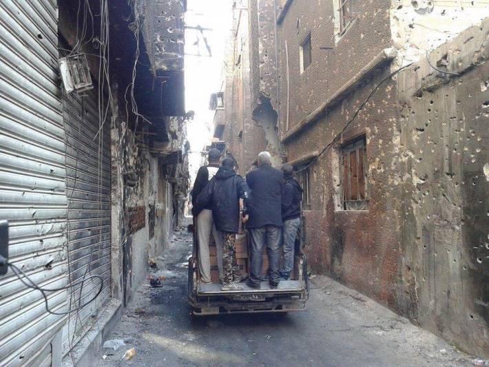 مخيم اليرموك مساعدات