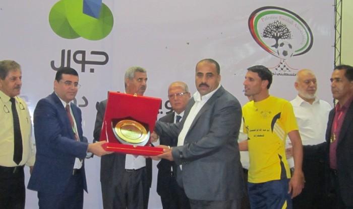 إتحاد الكرة يكرم أبطال الموسم الرياضي (33)