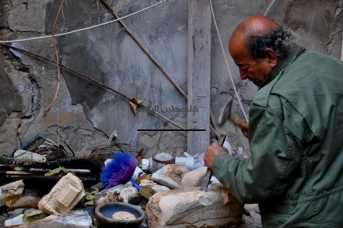 نحات من غزة