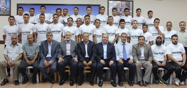 أمواج تكرم أبطال الموسم الرياضي في غزة (18)